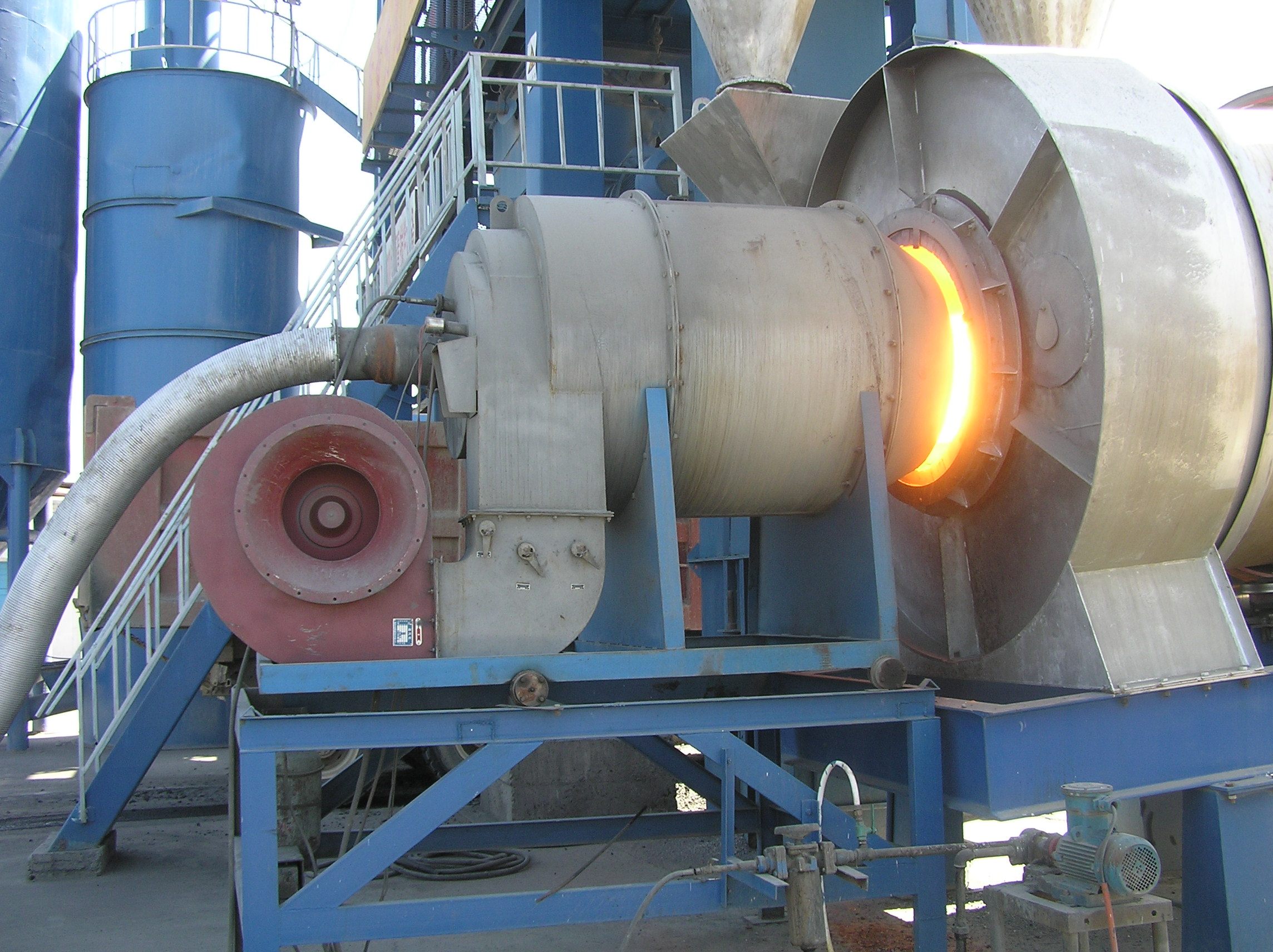 Briefly Describe How to Judge the Working Condition of Burning System of Asphalt Mixing Plant